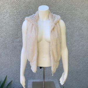 Vintage Faux Fur Fuzzy White Cream Zippered Vest
